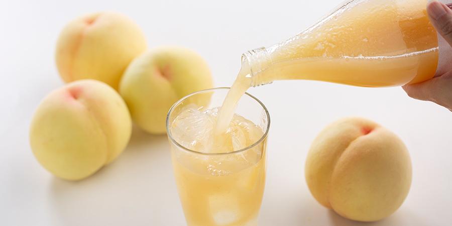 あらごし白桃1本、みかんジュース2本のイメージ写真